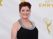 Kate Mulgrew - 67th Annual Primetime Emmy Awards at Microsoft Theater 20.9.2015 x21 updated B11ad2437041968