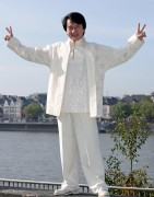 Джеки Чан (Jackie Chan) - Photocall in Colonia, Germany, February 16 2011 - 3xHQ  A8ecca425481826