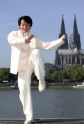 Джеки Чан (Jackie Chan) - Photocall in Colonia, Germany, February 16 2011 - 3xHQ  Edee67425481810