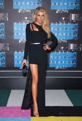 """Charlotte McKinney """"2015 MTV Video Music Awards at Microsoft Theater in Los Angeles"""" (30.08.2015) 33x  updated x3 16dd05433237763"""
