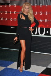 """Charlotte McKinney """"2015 MTV Video Music Awards at Microsoft Theater in Los Angeles"""" (30.08.2015) 33x  updated x3 2acceb433237786"""