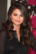 """Selena Gomez """"2015 MTV Video Music Awards at Microsoft Theater in Los Angeles"""" (30.08.2015) 780x updatet 1fd141433411445"""