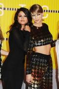 "Selena Gomez ""2015 MTV Video Music Awards at Microsoft Theater in Los Angeles"" (30.08.2015) 780x updatet 3c3f83433418302"