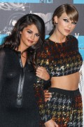 """Selena Gomez """"2015 MTV Video Music Awards at Microsoft Theater in Los Angeles"""" (30.08.2015) 780x updatet D2daff433431712"""