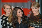 "Selena Gomez ""2015 MTV Video Music Awards at Microsoft Theater in Los Angeles"" (30.08.2015) 780x updatet Da359f433436601"