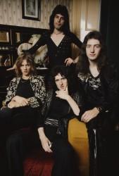 Queen и Freddie Mercury 0eec0a435395264