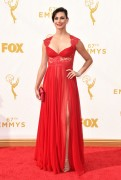 Morena Baccarin - 67th Annual Primetime Emmy Awards at Microsoft Theater 20.9.2015 x90 updatet x5 4b2f48437057587