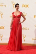 Morena Baccarin - 67th Annual Primetime Emmy Awards at Microsoft Theater 20.9.2015 x90 updatet x5 9e21df437057569