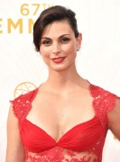 Morena Baccarin - 67th Annual Primetime Emmy Awards at Microsoft Theater 20.9.2015 x90 updatet x5 B8eec8437057603