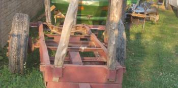 Ručni rad prikolice za šumarstvo 32e372440124857