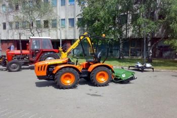 Traktori UZT 24                    C8dd08444698497