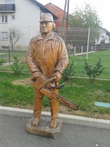 Izrada drvenih skulptura motornom pilom D77b87446647650