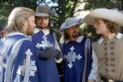 Три мушкетера / The Three Musketeers (Чарли Шин, Кифер Сазерленд, Крис О'Доннелл, 1993) 28b717472564570