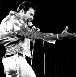 Queen и Freddie Mercury A641bd516068156