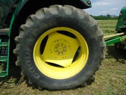 Traktori John Deere opća tema 49c46e486158500