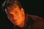 Привидение / In Ghost (Патрик Суэйзи, Деми Мур, 1990)  9f4f3f522538652