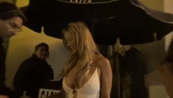 Hot Celebrity & Photoshoot Vids - Page 38 Cd7fe2526433726