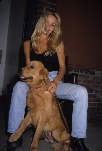 Памела Андерсон (Pamela Anderson) photoshoot (3xHQ) Bc3e43539713561