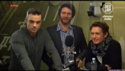 Take That à la radio DJ Italie 23/11-2010 F5bcbc110832551