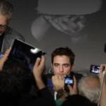Robert Pattinson à la conférence de presse Cosmopolis - Cannes - 25.05.2012 ( Photos HQ 03) Bf01c6192769238