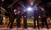 Take That au X Factor 12-12-2010 Fd87ba111017270