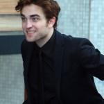"""Robert Pattinson arrivant au studio du """"the Graham Norton Show"""" à Londres  7e310f130774079"""