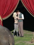 Water for Elephants : Photos  + Vidéos du tournage... - Page 12 047bf3115367484