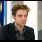 Interview et caps de Robert Pattinson au JT de 20h de France 2 79c612130404089