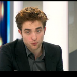 Interview et caps de Robert Pattinson au JT de 20h de France 2 Fa7705130403647