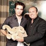 """Robert Pattinson soutient l'association caricature """"Help the Children"""" 933ff5131795230"""