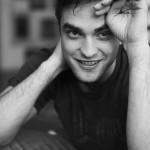 Nouveaux outtakes du shooting de Robert Pattinson pour Carter SMITH - Page 11 448bfa140011538