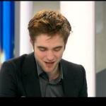 Interview et caps de Robert Pattinson au JT de 20h de France 2 Bbfeda130404122