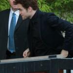 """Robert Pattinson arrivant au studio du """"the Graham Norton Show"""" à Londres  5984e4130773980"""
