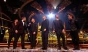 Take That au X Factor 12-12-2010 1e214a111017300