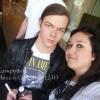 Gustav et Georg avec des fans à l'aéroport de Mexico City (03.12.2010) 954370109511220