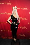 Lady Gaga >> Muñecos de cera A1e70f110597383