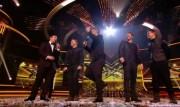 Take That au X Factor 12-12-2010 B02959111017236