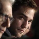 Robert Pattinson à la conférence de presse Cosmopolis - Cannes - 25.05.2012 ( Photos HQ 03) 3f1a89192769468