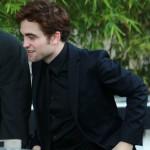 """Robert Pattinson arrivant au studio du """"the Graham Norton Show"""" à Londres  F9610f130774166"""