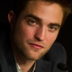 Robert Pattinson à la conférence de presse Cosmopolis - Cannes - 25.05.2012 ( Photos HQ 03) Af3acb192767741