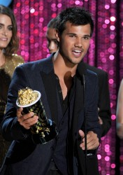 MTV Movie Awards 2012 374203193979570