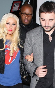 [Fotos+Video] Christina Aguilera y Matt Rutler en Osteria Mozza  D9ea56159961292