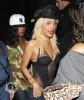 """Rihanna quitte le club """"Greystone"""" à Los Angeles. 99cdb4173465689"""