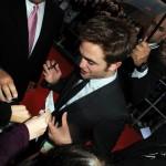 Robert Pattinson à l'avant première de Cosmopolis - Berlin - 31.05.2012 ( Photos HQ 01) E464c1193287320