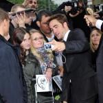 Robert Pattinson à l'avant première de Cosmopolis - Berlin - 31.05.2012 ( Photos HQ 01) 4b0708193261215