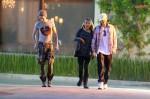 [Vie privée] 13.03.2012 Los Angeles - Bill & Tom Kaulitz et Ria  1bef97194089406