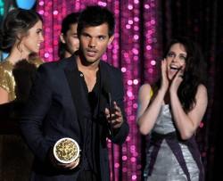 MTV Movie Awards 2012 B87eae193979733