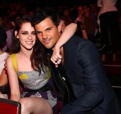 MTV Movie Awards 2012 C26b2d193963182