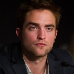Robert Pattinson à la conférence de presse Cosmopolis - Cannes - 25.05.2012 ( Photos HQ 03) Dc2cfb192768957