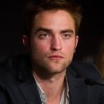 Robert Pattinson à la conférence de presse Cosmopolis - Cannes - 25.05.2012 ( Photos HQ 03) Ebb4c2192769076